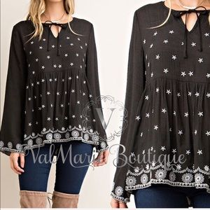 Embroidered women's blouse long sleeves